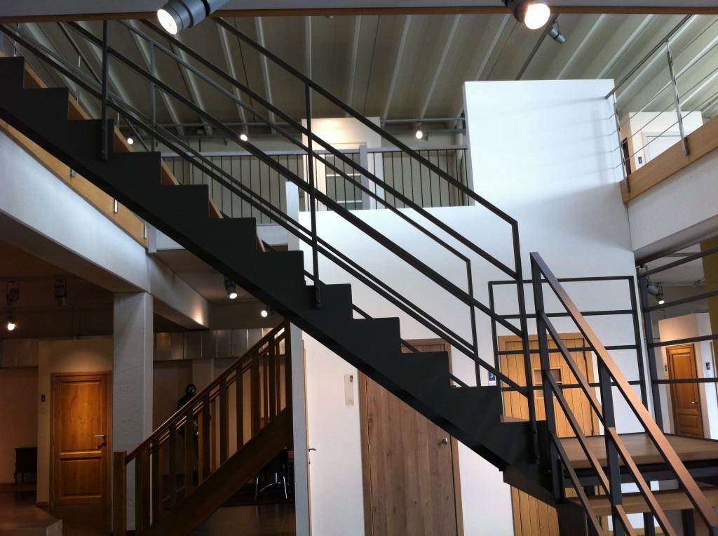 pour l 39 escalier c 39 est avec d 39 hondt maisons d 39 en flandre. Black Bedroom Furniture Sets. Home Design Ideas