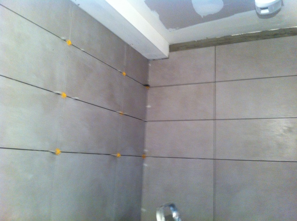 Carrelage mural douche italienne photos de conception de maison for Pose carrelage douche a l italienne