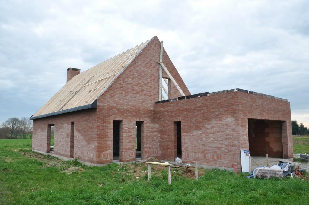 Pose Des Chenaux Et Caches Moineaux De Notre Maison